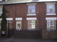 Terraced home to rent in Grove Street...