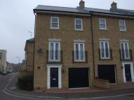 Town House to rent in Propelair Way, Colchester