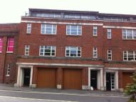 Town House to rent in Upper High Street...