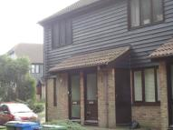 Maisonette to rent in Wickham Close, Newington...