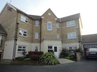 2 bed Ground Flat to rent in HAZEL AVENUE, Sheerness...