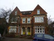 Flat to rent in Cutcliffe Grove