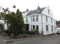 Flat to rent in Mount Sion...