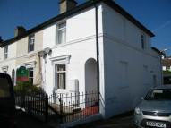 Flat to rent in Newcomen Road...