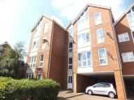 Flat to rent in Claremont Court...