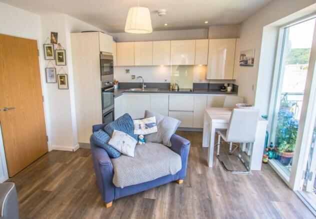 kitchen-living-area.