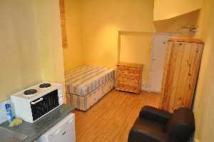 Studio flat to rent in Chiswick High Road...
