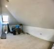 Attic bedroom (2/2).
