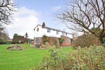 4 bed Detached property in Parkhill, Oulton