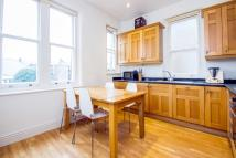 3 bed Flat to rent in Castellain Road...