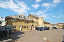 West Cliff Road Apartment to rent