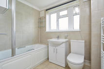 3 bed Flat to rent in Upper Elmers End Road...