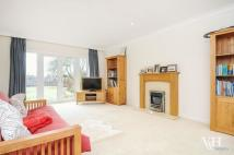 4 bed Detached house in Woodfield Lane, Ashtead