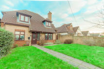 4 bedroom Detached home for sale in Hever Avenue...