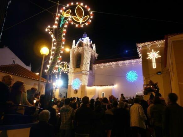 Festa next village