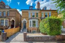 1 bed Flat for sale in Barry Road, London, SE22