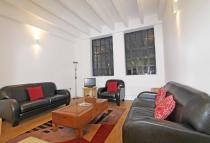 2 bedroom Flat in Leather Lane...