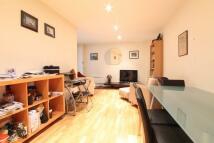 1 bedroom Flat to rent in Hosier Lane, London