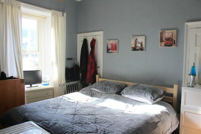 Bedroom / Dining ...