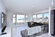 3 bed Penthouse in Church Hill Road...