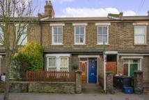 Maisonette to rent in Arundel Road, Croydon...