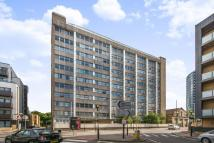 3 bedroom Flat to rent in Whitehorse Road, Croydon...