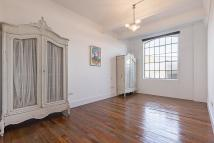 2 bed Flat to rent in Stanley Gardens, London...