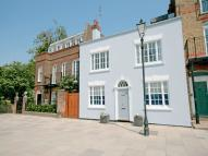 2 bedroom semi detached property to rent in Lower Mall, Hammersmith