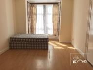 Studio flat to rent in Ingleby Road, Ilford...