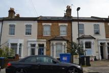 Studio flat in Whittington Road, London...