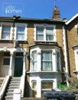 Studio apartment in High Road, London, N22
