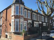 2 bed Flat to rent in Harberton Road, London...