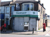 Shop to rent in 146 Well Hall Road...