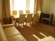 2 bedroom Flat to rent in Elgin Crescent - Notting...