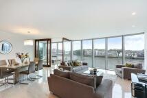 Flat in St George Wharf, SW8