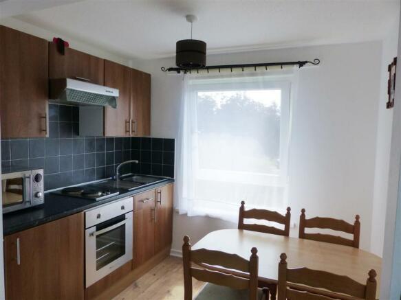 Kitchen & Breakfast Area.JPG