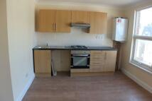 Flat to rent in Turnpike Lane N8