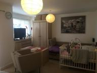 Flat to rent in Turnpike Lane Station