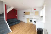 Flat to rent in Clapton E5