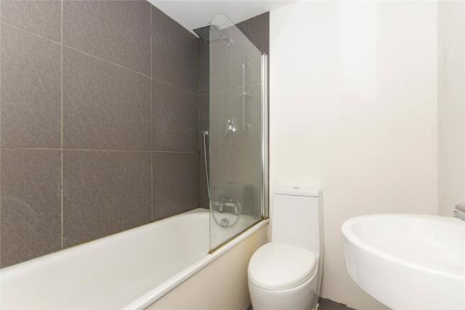 Flat 4 Bathroom