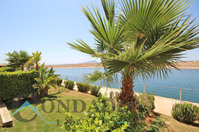La Isla gardens