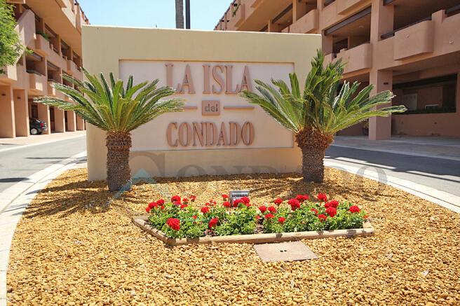 La Isla entrance