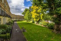4 bed house for sale in Hampton Court Crescent...