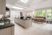 7 bed home in Matham Road, East Molesey