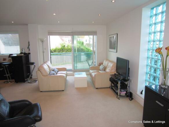 Living Room & Ba