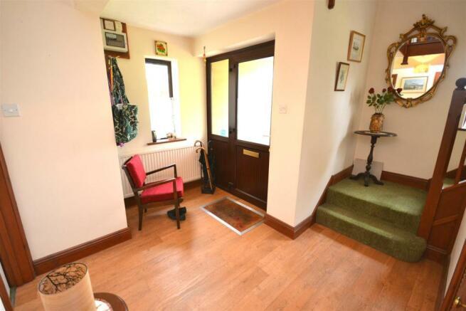 Hallway a.jpg