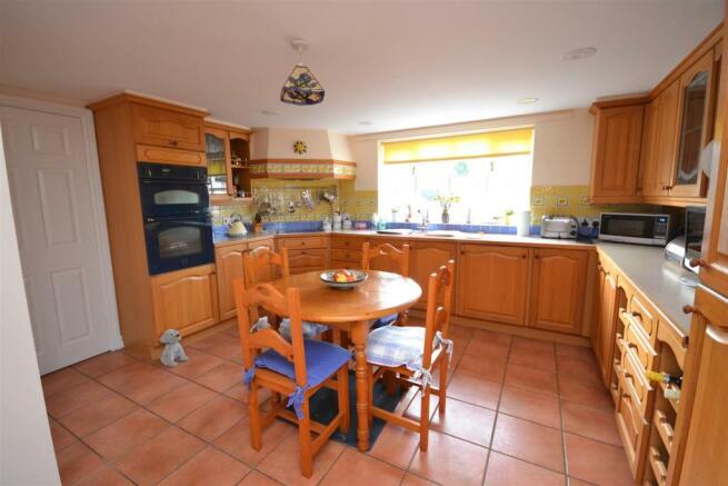 Kitchen-Breakfast Room 1.JPG