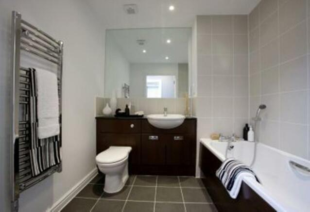 Two bedroom Buckminster bathroom