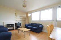 Flat to rent in Seven Sisters Road...