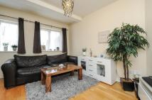 1 bed Flat for sale in Chiltern Drive, Surbiton